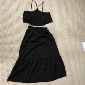NWOT 2-piece black halter top with skirt, size s